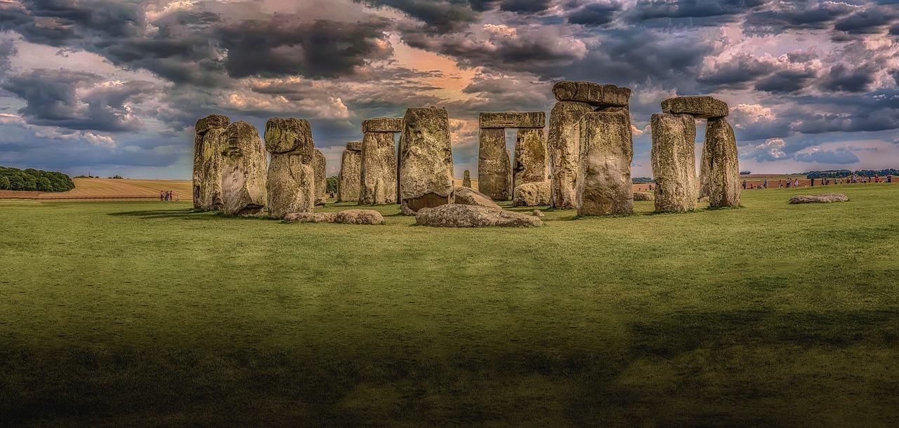 stonehenge-1590047_1280
